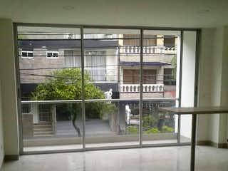 Una vista de un edificio con una ventana grande en 92430 - Venta Apartamento en Envigado Vallejuelos