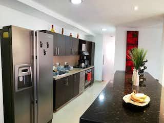 Una cocina con nevera y fregadero en 94420 - Venta Apartamento Transversal Intermedia Envigado