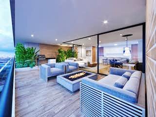 Una sala de estar llena de muebles y una mesa en 95686 - Venta Apartamento Penthouse Santa Maria Los Ángeles Medellin