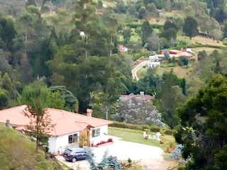 Una vista panorámica de una ciudad con montañas en el fondo en 95764 - Vendo finca excelente vista nueva vereda la Clarita Guarne Antioquia
