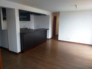 Una cocina con nevera y fregadero en Apartamento en venta las palmas  a 3 minutos de la Glorieta de San Diego