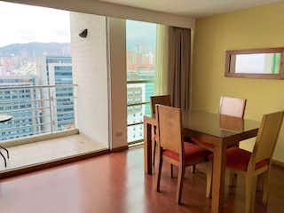 Una sala de estar llena de muebles y una ventana en 100983 - Se Vende Apartamento Poblado- Medellin