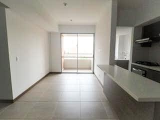 Un cuarto de baño con lavabo y bañera en 101537 - Apartamento en Bello Ciudad Fabricato unidad Oceana Venta