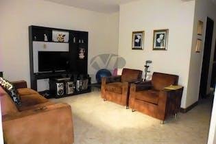 Casa en venta en Laureles de 4 habitaciones