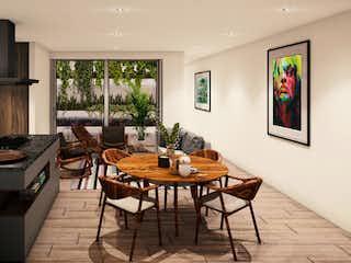 Una sala de estar llena de muebles y una mesa en Segovia 40