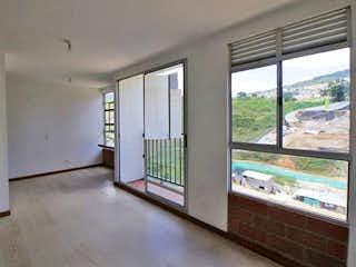 Una vista de una cocina con una puerta corredera de cristal en Apartamento en Venta CALASANZ