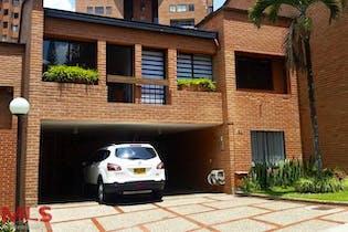 Casa en El Poblado-El Campestre, con 4 Habitaciones - 248,2 mt2.