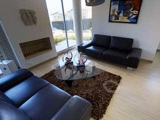 Una sala de estar llena de muebles y una mesa de café en Rosales Reservado