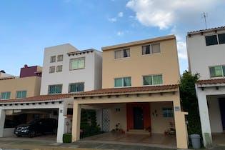 Casa en venta en Urbano Bonanza con Jardín...
