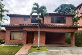 Casa en venta en Altos Del Poblado de 3 hab.