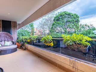 Una vista de una planta en maceta en un balcón en Apartamento en Venta SAN LUCAS