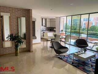 Una sala de estar llena de muebles y una televisión de pantalla plana en ZU 41-21