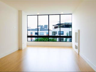 Una vista de una sala de estar y una sala de estar en Apartamento en venta en Santa Bárbara Central, 106m²