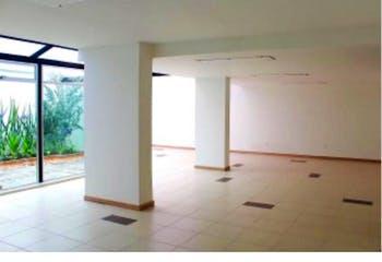 Casa en venta en Polo Club, 330m² con Jardín...