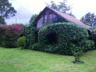 Un gran jardín con un gran jardín en Casa en venta en La Balsa de 3 alcoba