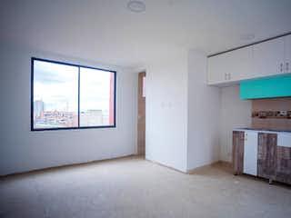Una habitación que tiene una ventana en ella en Apartamento En Venta En Bogota San Fernando Occidental