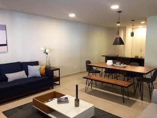 Una sala de estar llena de muebles y una mesa en NARVARTE, DEPARTAMENTO EN VENTA CON TERRAZA