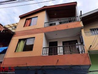 Casa en venta en Moscú No. 1, Medellín