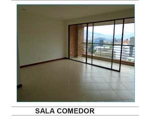 Una imagen de una habitación con una ventana en ED MURANO
