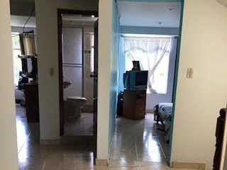Una vista de una sala de estar y una sala de estar en Conjunto Altos de San Diego