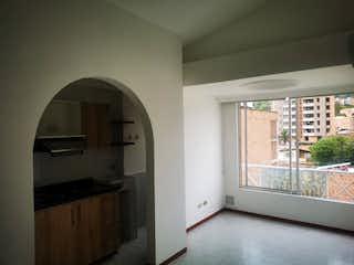 Una cocina que tiene una ventana en ella en Apartamento en venta en La Castellana, de 55mtrs2