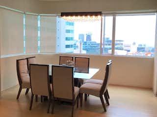 Una sala de estar llena de muebles y una ventana en Departamento en venta en Cuevitas de dos recamaras