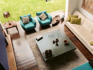 Una sala de estar llena de muebles y un sofá en Se Vende Casa en Hacienda San Simón