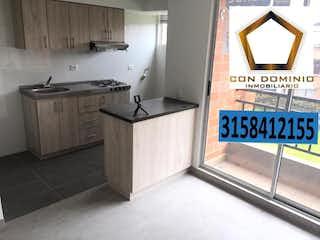 Una cocina con un lavabo y una ventana en Apartamento En Venta En Mosquera Porton De Mallorca