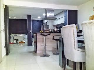 Una habitación llena de muchos muebles y desorden en Casa en Venta BOSQUES DE SAN PABLO