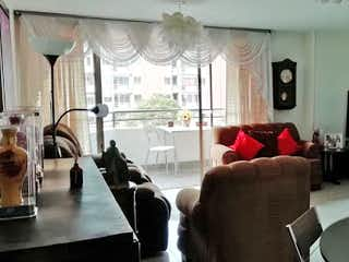 Una sala de estar llena de muebles y una televisión de pantalla plana en Apartamento en Venta LA PILARICA
