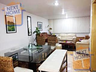 Una sala de estar llena de muebles y una mesa en VENTA DEPARTAMENTO CUAJIMALPA inmediato a SANTA FE