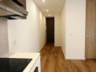 Cocina con nevera y horno de fogones en 102283 - Se vende apartamento a estrenar en El Virrey