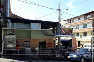Casa en venta en Las Esmeraldas con Solarium...