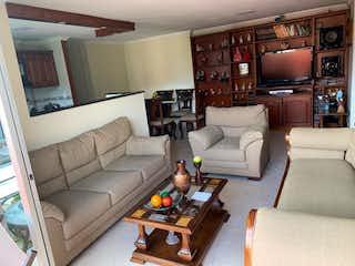 Una sala de estar llena de muebles y una televisión de pantalla plana en Apartamento en venta en Estadio de 5 hab. con Gimnasio...