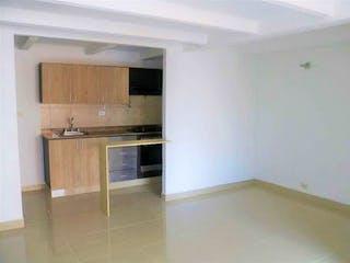 Cocina con nevera y microondas en Apartamento en Venta LOS COLORES