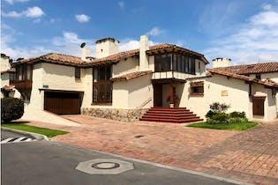 Casa en venta en Gratamira de 367m²
