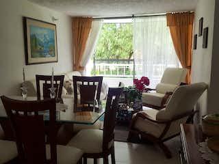 Una sala de estar llena de muebles y una ventana en Venta apto Zipaquira San Rafael-1581857