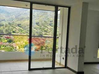 Una vista de una vista desde la ventana de un edificio en Apartamento en Venta LOMA DE LAS BRUJAS