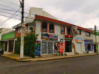 Un edificio con un montón de graffiti en él en Casa grande, hermosa y remodelada en venta Tlalpan