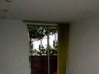 Una habitación que tiene una alfombra en ella en Apartamento ParaVenta,
