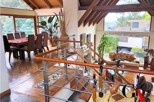 Casa en venta en Bosque De Pinos de 968m² con Jardín...