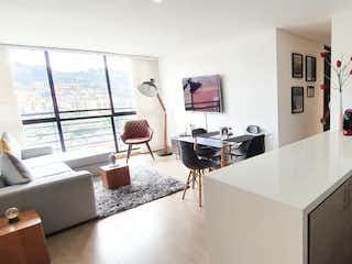 Un cuarto de baño con una bañera y un lavabo en Apartamento en venta en La Campiña, 66m² con Bbq...