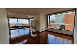 Apartamento en venta en El Refugio 214m² con Jardín...