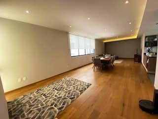 Una sala de estar llena de muebles y un suelo de madera dura en COMPRA DEPARTAMENTO NUEVO EN LA DEL VALLE DE 3 RECAMARAS Y ROOF GARDEN