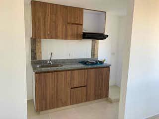 Una cocina con un fregadero y un horno de cocina en Apartamento venta bello, Antioquia