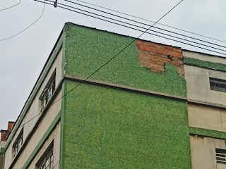 Un cartel verde de la calle en una esquina de la calle en Apartamento en venta en Los ángeles, 157m²