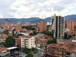 Una vista de una ciudad en medio de una ciudad en SE VENDE BUEN APTO EN LAURELES DUPLEX CERCA A SAN JUAN CON LA 70