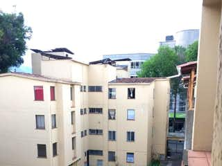 Una imagen de un edificio en el fondo en Apartamento en Venta en San Benito, Medellin