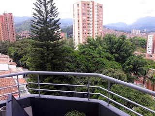 Una vista del horizonte de una ciudad en una ciudad en VENDO DUPLEX EN LA LOMA DE LOS BERNAL CERCA AL D1