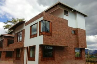 Casa en venta en Centro de 3 hab. con Zonas húmedas...